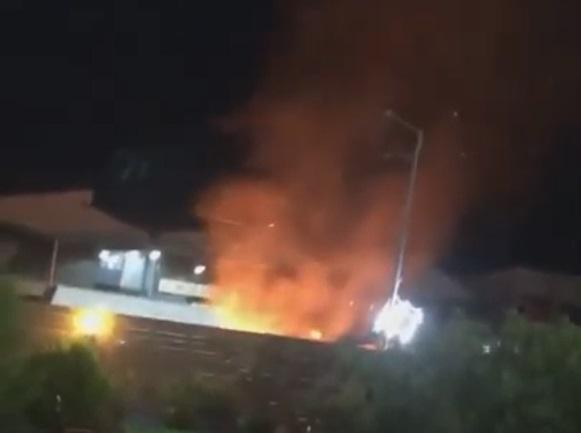Камион се запалил во магацин – изгорела и кровната конструкција
