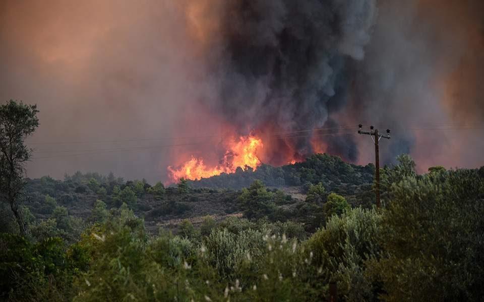 Голем пожар на Закинтос – се евакуираат туристи од две села