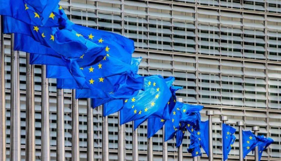 ЕУ размислува за продолжување на ембаргото за оружје против Турција
