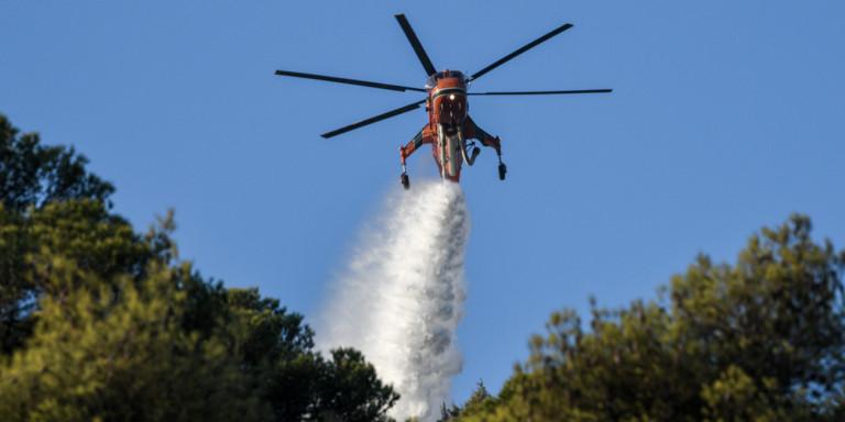 Голем пожар на Кефалонија, се евакуираат туристи и жители