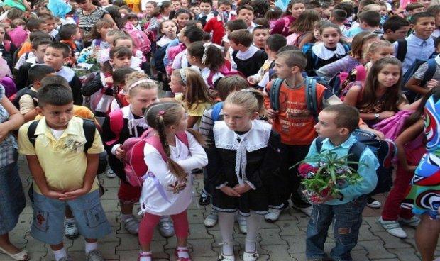 Во Албанија запишани само 24.000 првачиња