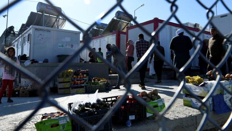 Повеќе од 450 мигранти од грчките острови ќе бидат префрлени во близина на Македонија