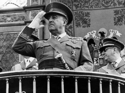"""Ќе бидат префрлени на """"дискретна"""" локација: Шпанија ќе ги дислоцира посмртните останки на Франциско Франко"""