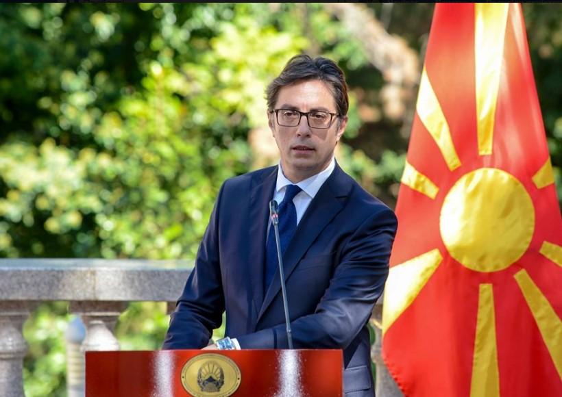 Пендаровски: Неприфатливо е Македонија да се ословува како сосед на Унијата