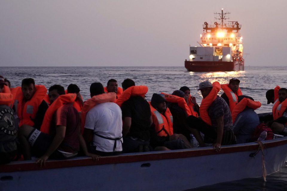 Италија го скрати рокот од две години на четири месеци за враќање мигранти