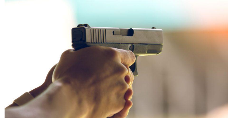 """Со звучно-сигнален пиштол ограбил филијали на """"М Кеш"""" и """"Тиго"""""""