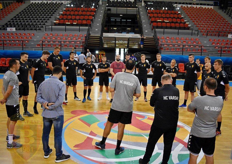Писонеро помошник, Кокшаров главен тренер пред дуелот со Веспрем