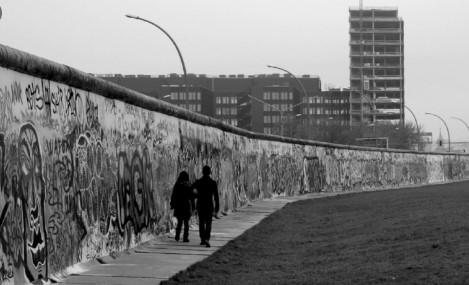 Три децении од рушењето: Берлинскиот ѕид создаде нови бариери во Европа