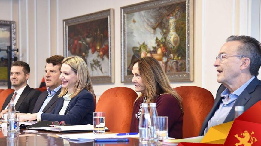 """Мицкоски се сретна со """"Македонија 2025"""": Време е за реформи кои доаѓаат по изборите на 12 април"""