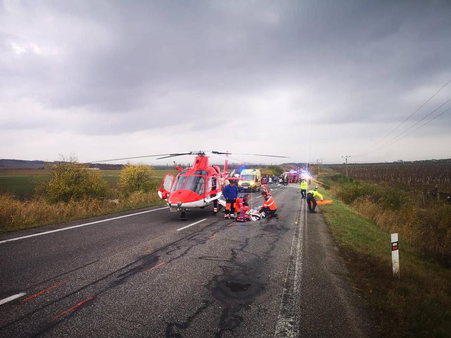 Во сообраќајна несреќа во Словачка загинаа 12 лица