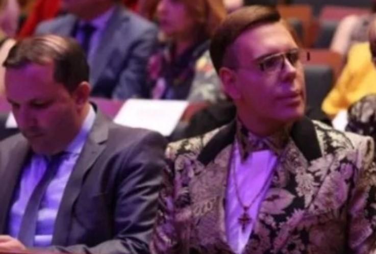 Жал ми е што не се вештачи мојот мобилен да се види целата комуникација со Заев и со Спасовски