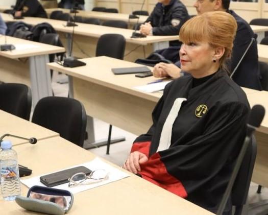 Со душевна болка и лутина Русковска тешко дека може да биде непристрасен и објективен обвинител
