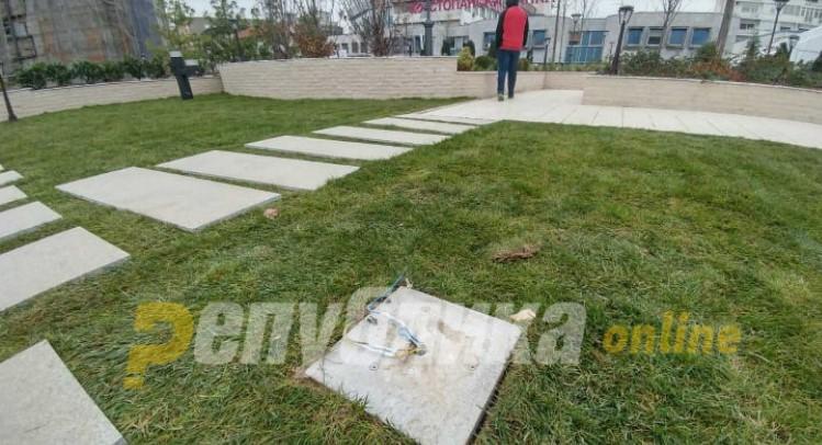 Висат голи жици на зелениот покрив на Шилегов во ГТЦ (ФОТО)