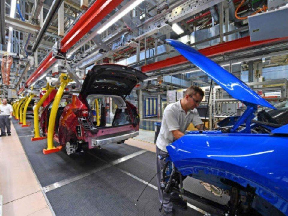Производителите на автомобили намалуваат 80.000 работни места на глобално ниво
