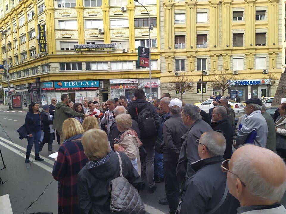 Граѓани протестираа против извршителите