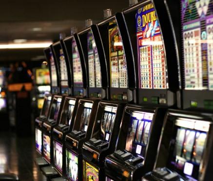 Еден ден пред техничката влада Државната лотарија од Бугарија набавила апарати за коцкање за 6.5 милиони евра