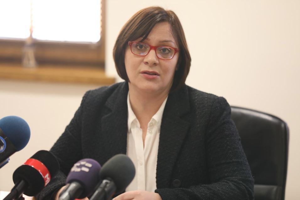 Димитриеска Кочоска: Третиот пакет на мерки се реализираше само 13%, затоа им е потребен четврти пакет