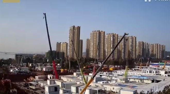 1.000 кревети: Погледнете како Кинезите за една недела направија болница