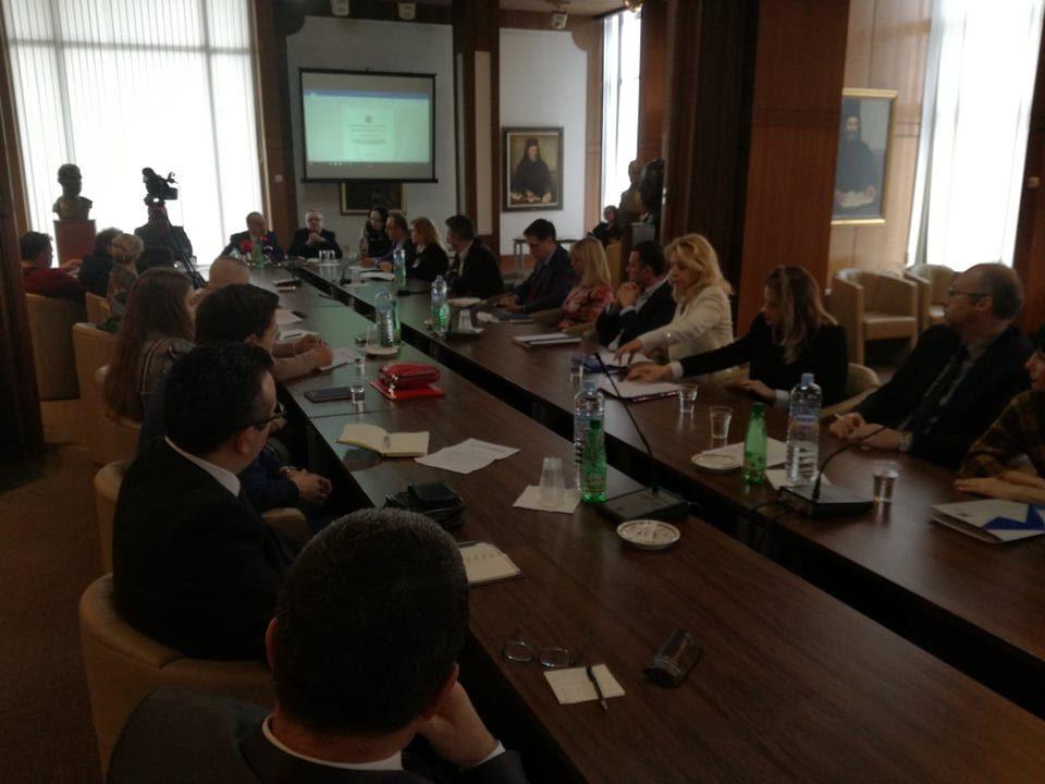 МАНУ: Регулаторните тела не се ефикасни, служат за вработување партиски кадри