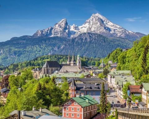 Во Баварија е забрането да се излегува од дома, казните се 25.000 евра