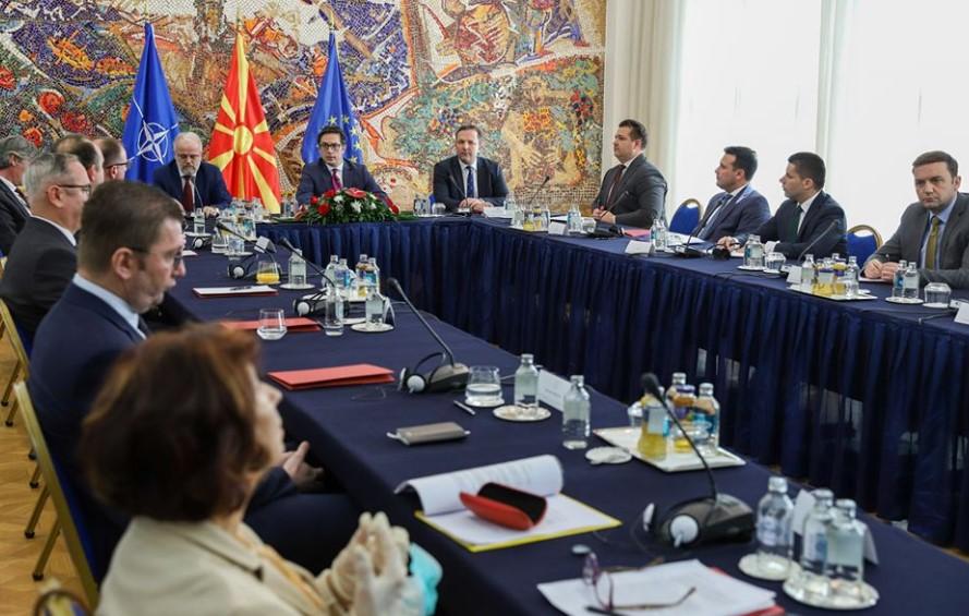 Лидерската средба ќе се одржи на 12 мај, Мицкоски убеден во победа кога и да има избори