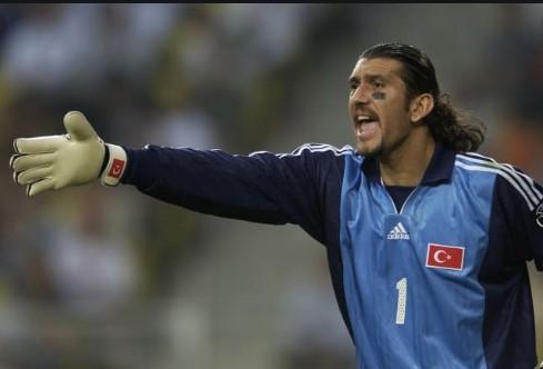 Легендарниот турски голман заболен од корона