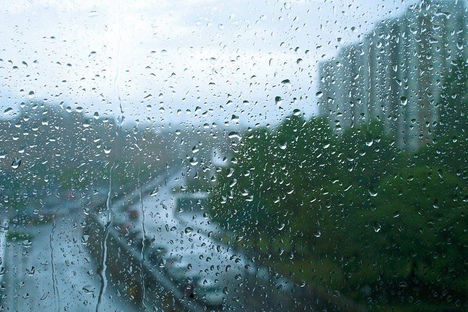 За викендот врнежи од дожд, на југот поројни со грмежи и силен ветер