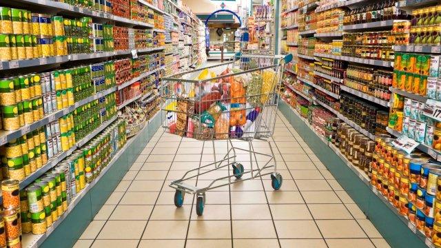Mакедонските граѓани трошат повеќе пари на странски производи, отколку на домашни