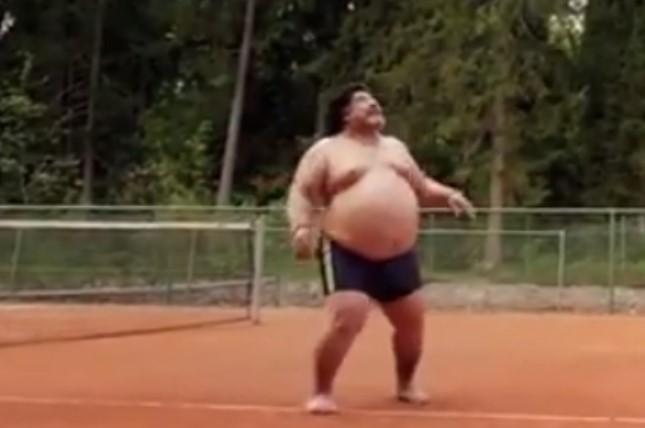 Не личи на себе: Марадона со огромен стомак (ФОТО)