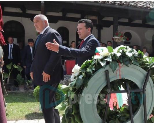 """Заев прв пат спомена дека и """"корените"""" се на маса со Бугарија!"""