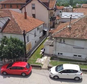 Со општинско возило во Ѓорче Петров се дели поткуп по домови (ВИДЕО)