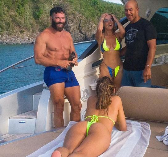 Многу девојки и секс: Вака изгледаат забавите на кралот на Инстаграм во Хрватска (ФОТО)
