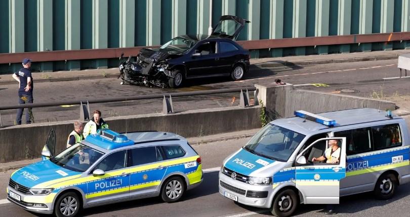 """Терористички напад во Берлин: """"Никој да не ми се приближува или сите ќе умрете"""" (ФОТО)"""