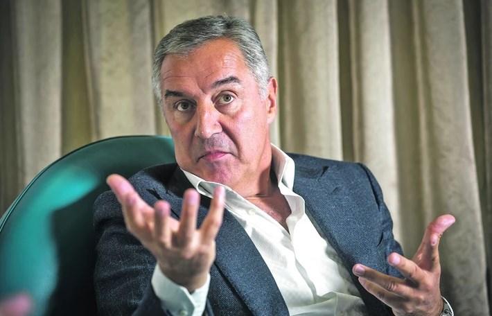 Ѓукановиќ на власт е 30 години: Се колнеше во Милошевиќ и Русите, сега е за НАТО и ЕУ