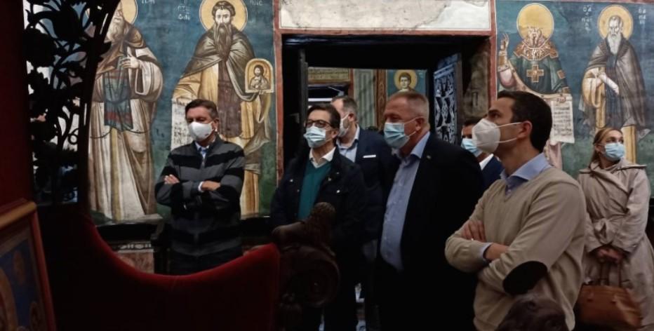 Пахор и Пендаровски беа во обиколка на Охрид и гледаа показна вежба на армиските специјалци