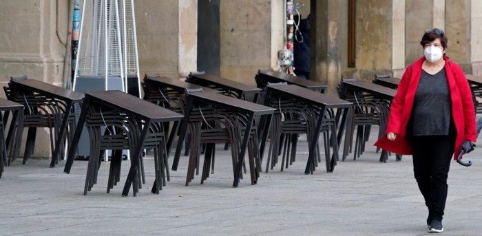 Шпанија воведе вонредна состојба и воведе полициски час од 23 до 6 часот наутро