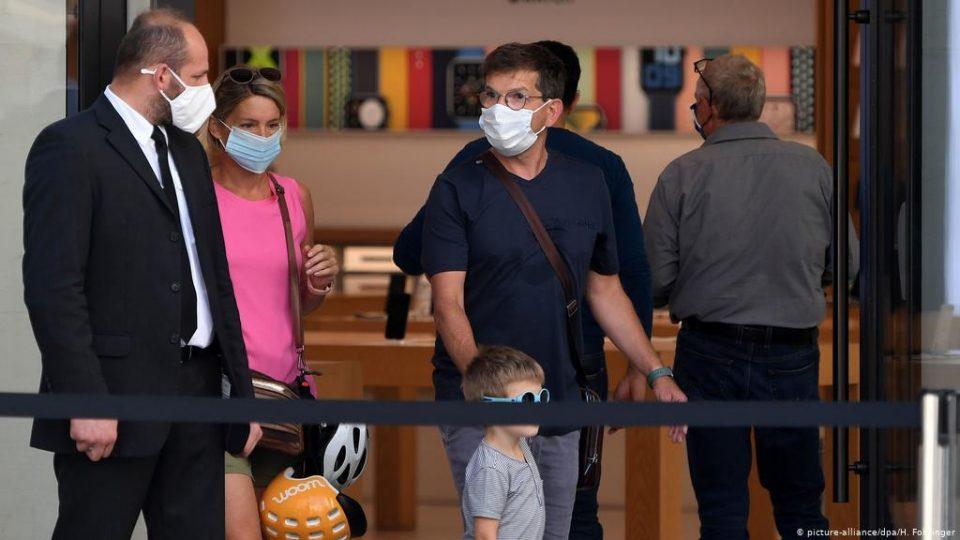 Австрискиот министер за здравство: Имаме пандемија во пандемија