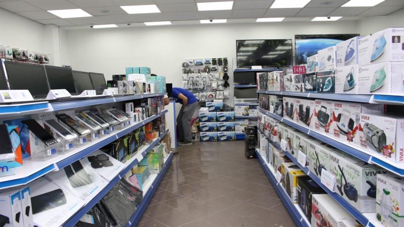Во продавниците има само компјутери и лаптопи над 30.000 денари, граѓаните се пожалија и дека се поскапени од минатата недела