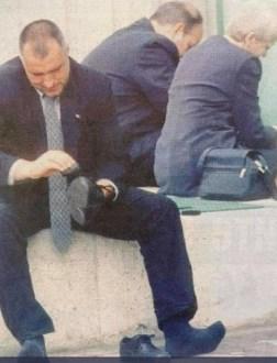 Ботови од Македонија работат на рејтингот на Борисов