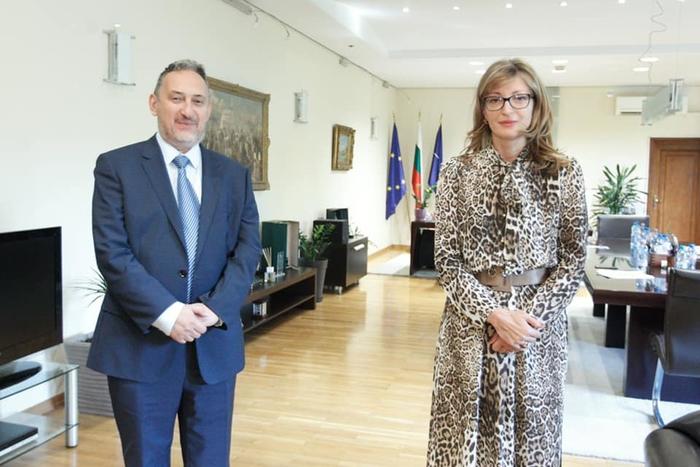 Љубчо Георгиевски во Софија се сретна со Захариева