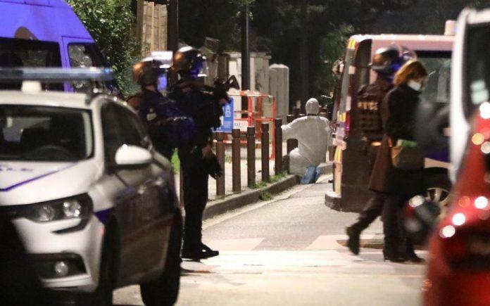 Четири лица уапсени во врска со убиството на професорот крај Париз