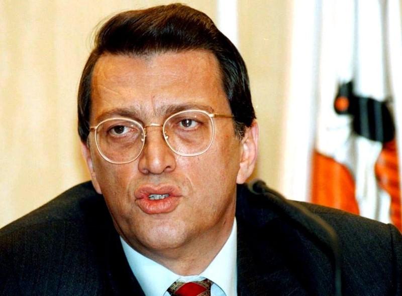 Почина поранешниот премиер на Турција  Месут Јилмаз