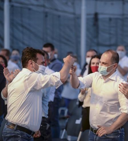 ВМРО-ДПМНЕ: Рекорден број на починати, соодветни мерки и протоколи нема