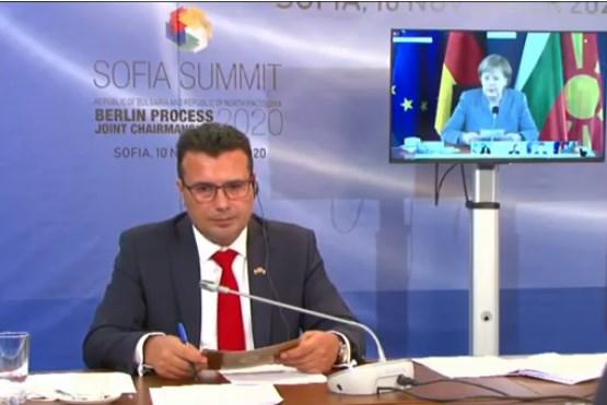 Meркел доаѓа во Белград и Тирана, Скопје ќе го прескокне