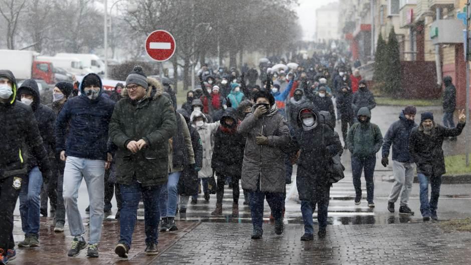И покрај снегот, илјадници демонстранти ги продолжија протестите кои започнаа во Белорусија во август