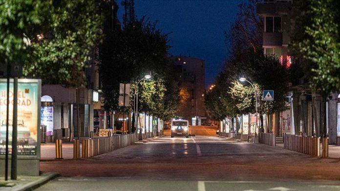 Во Подгорица и Цетиње од воведен полициски час