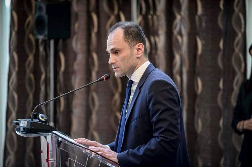 Филипче, како министер, не решава проблеми затоа што тој е проблемот и затоа треба да понесе одговорност