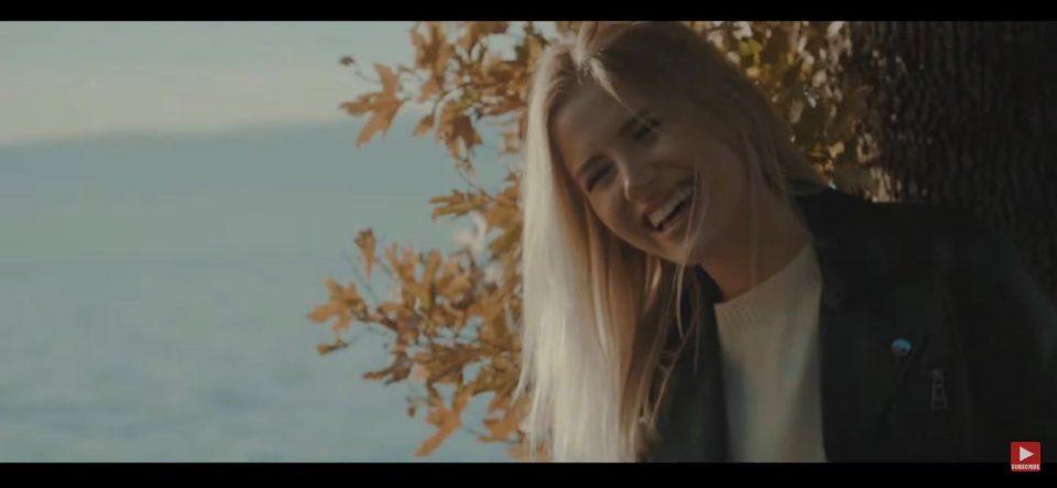 Русинката Маша пее на македонски јазик