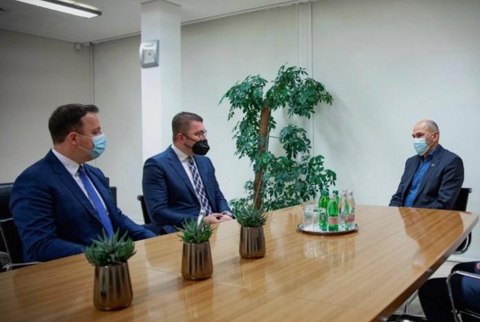 Мицкоски на средба со Јанша: Поддршка на Македонија и нејзините евро интеграции