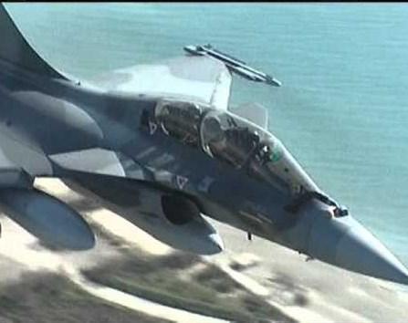 """Грција набави воени авиони """"Рафал"""" од Франција (ФОТО)"""
